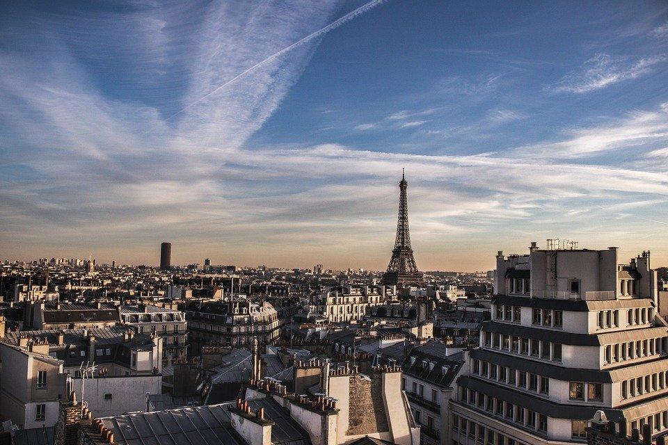Quelles sont les obligations pour vendre un bien immobilier à Paris?